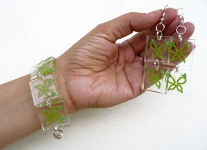 tatting in resin, handmade jewelry set