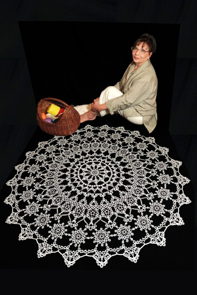 Large lace tablecloth Maestro