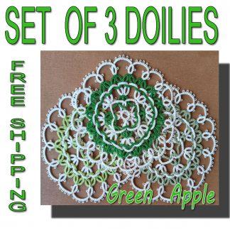 Set of three doilies Green Apple